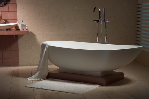 Tips on cleaning acrylic bathtubs