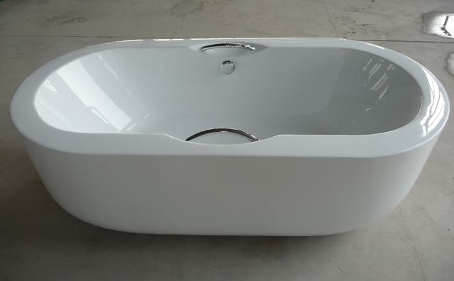 Large tub big bath extra large freestanding bathtubs for Oversized baths