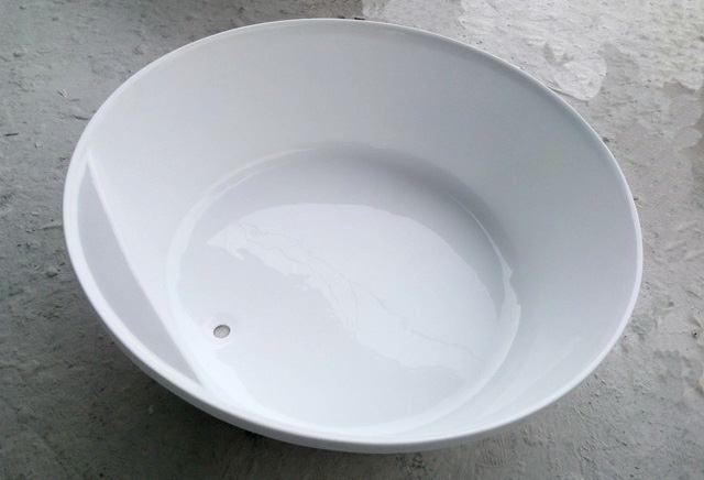 Round Bathtub Size