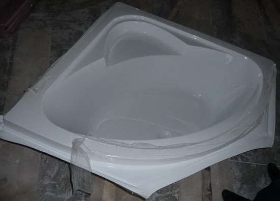 Corner Bathtub Real Photo