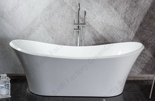 Roll top freestanding bathtub with freestanding tub faucet