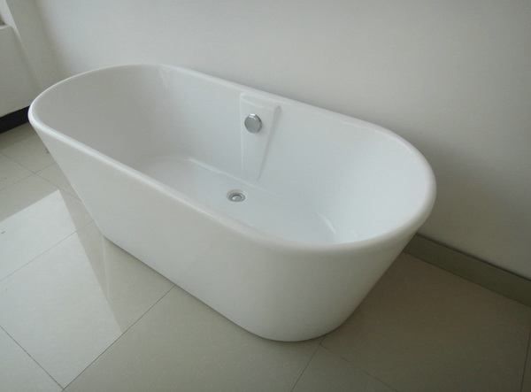 1600 freestanding bath 1600mm freestanding baths for Steel bath vs acrylic