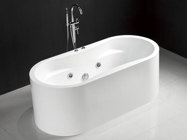freestanding whirlpool bathtub with freestanding faucet