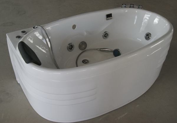 Jetted Tub: Methods to Keep the Sparkle Intact