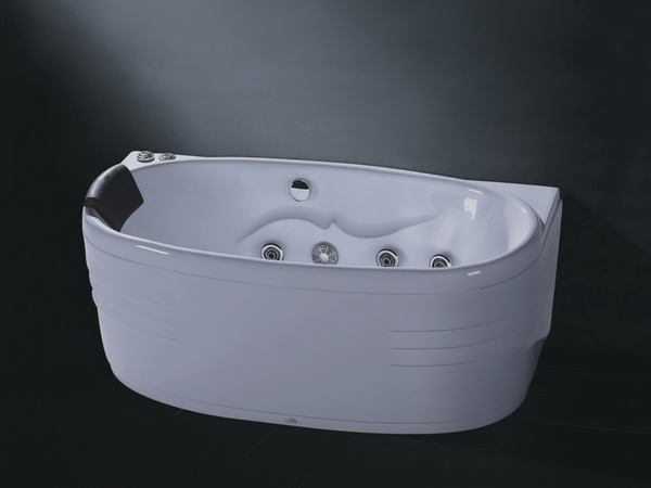 Oval whirlpool tubs close look